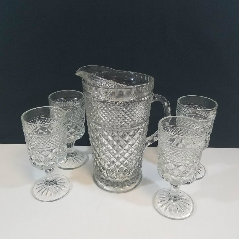 Anchor Hocking Wexford Glass Pitcher and 4 Stemmed Glasses