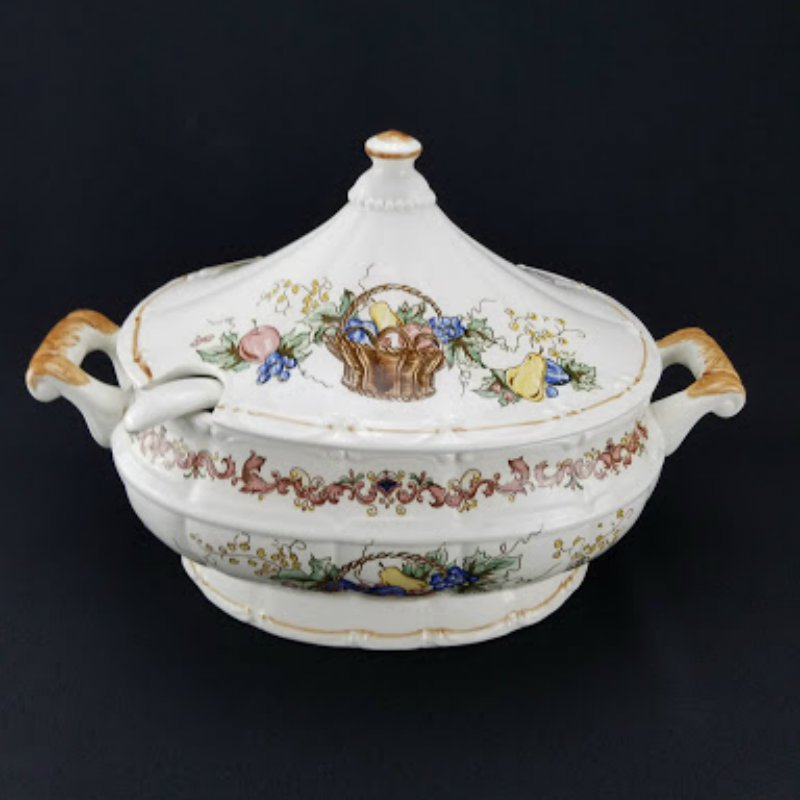 Ceramic Covered Soup Tureen Casserole Dish With Ladle