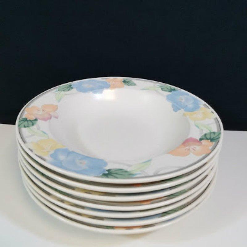 "Mikasa Intaglio Rimmed Soup Salad Bowl 9 1/4"" Set of 7"