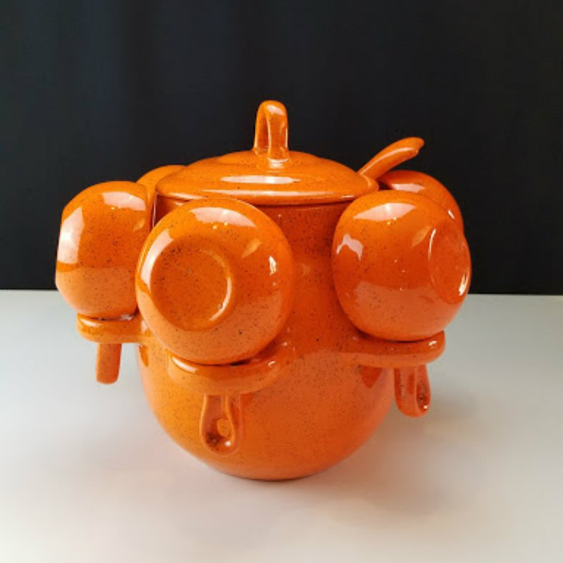 Ceramic Soup Tureen with 6 Cup Holders and Ladle