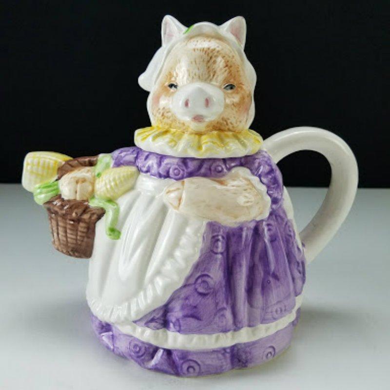 Heritage Mint Ltd  Mrs. Pig Decorative Teapot with Original Box