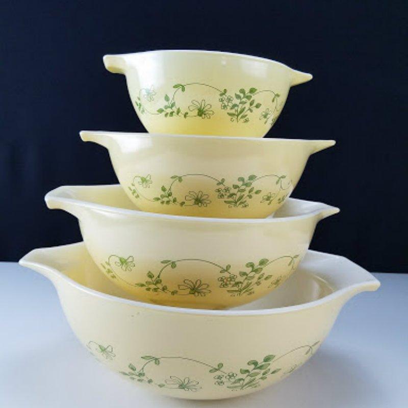 Vintage Pyrex Shenandoah Cinderella Nesting Mixing Bowls #404, #403, #402, #401