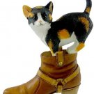 Animal KITTEN WITH BOOT Resin Country Artists CAO6690