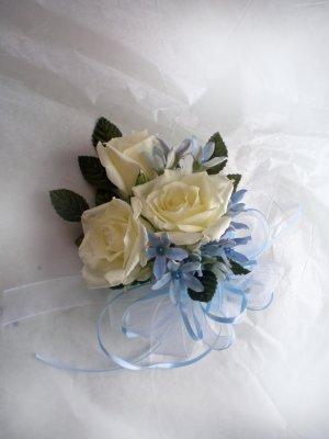 KFW 206 Tweedi Blue corsage