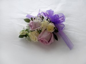 KFW 207 Lavender corsage