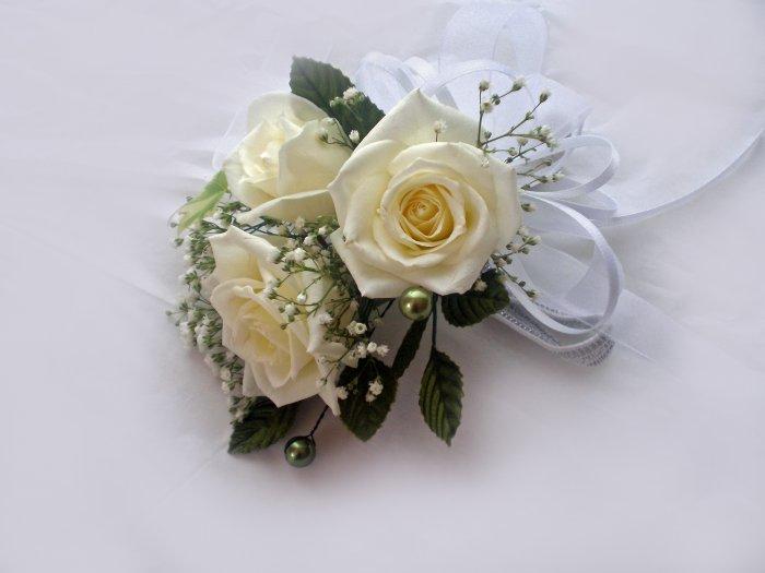 KFW 209 White rose corcage