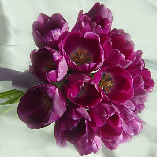 KFW 101Purple tulip Bouquet
