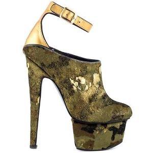 Zigi NYs London Trash Wynne Camo Gold Pony Hair Platform High Heel Shoe