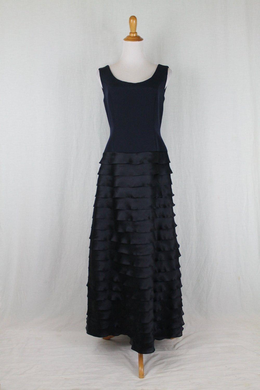 Roland Nivelais Couture Black Silk Sleeveless Shutterpleat Formal Ball Gown 8