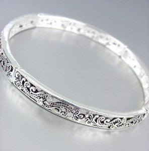 CLASSIC Brighton Bay Silver Filigree Crystals Stretch Stackable Bracelet