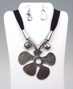 CHUNKY Antique Silver Metal Floral Medallion Black Chiffon Necklace Earrings Set