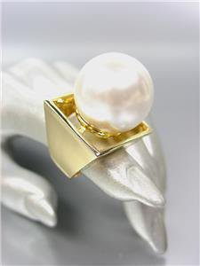 GORGEOUS Designer Style Bold & Chunky Huge Creme Pearl Gold Plated Cocktail Ring
