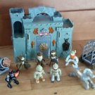 Redbox CASTLE HOUSE PLAYSET CARRY ALONG Knights Vikings Figures Cannonball Wagon