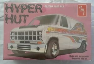 Hyper Hut Ford Custom Van Factory Sealed Vintage Kit AMT T419 419801 Model 1/25