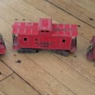 Lot of 3 Lionel O27 Gauge Cabooses Plastic Post War with Metal Bottoms Trucks