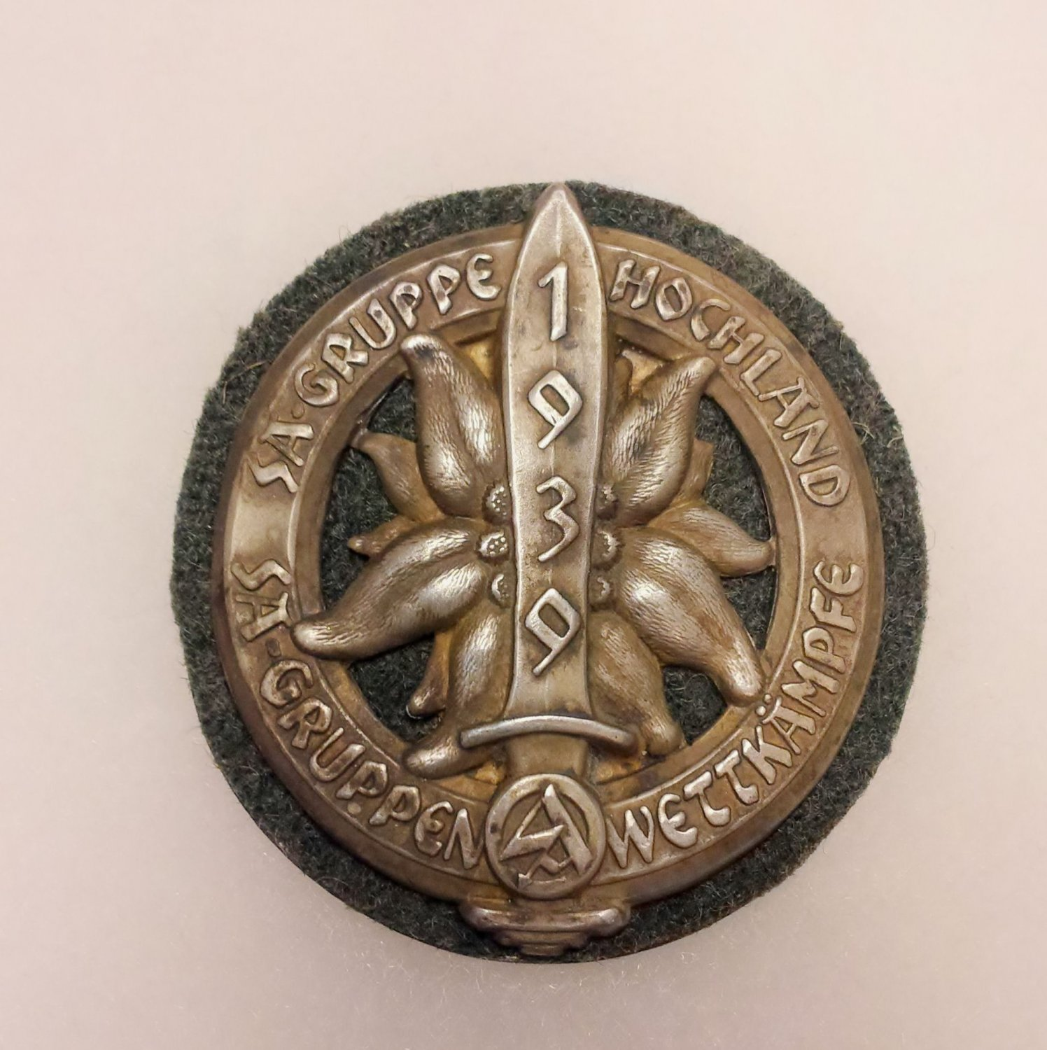 WWII GERMAN SA HIGHLAND CAMP BADGE