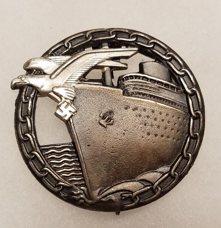 WWII WW2 GERMAN NAZI KRIEGSMARINE BLOCKADE RUNNER BADGE