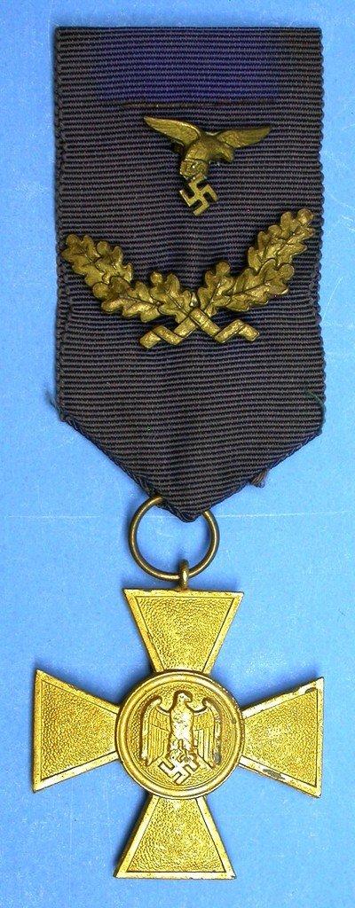 WWII GERMAN NAZI LUFTWAFFE 40 YEAR LONG SERVICE MEDAL - SCARCE
