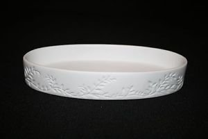 Crabtree & Evelyn White Porcelain Caddy Tray/ Soap Dish Embossed Design