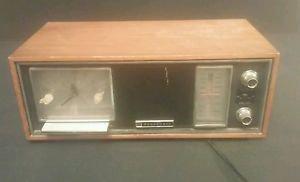 Vintage Panasonic Model RC-7247 Wood AM FM Clock Radio TESTED & WORKS