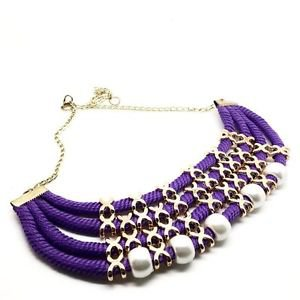 WOMEN'S PURPLE NECKLACE DECORATED WITH PEARLS AND CORDONS