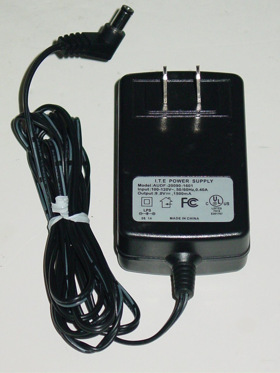 I.T.E AUDF-20090-1601 AC Adapter 15V 3A