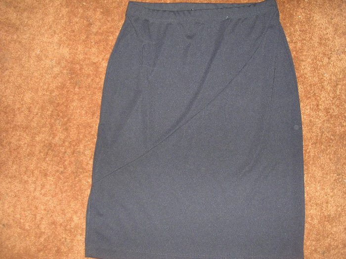 MISSES 6 BLACK SKIRT NEW