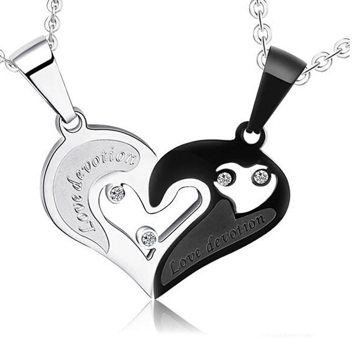 Couple Interlocking Heart Necklaces Set