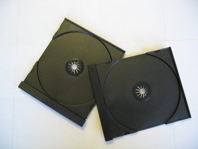 100 SINGLE CD TRAYS - BLACK - QJ01PK