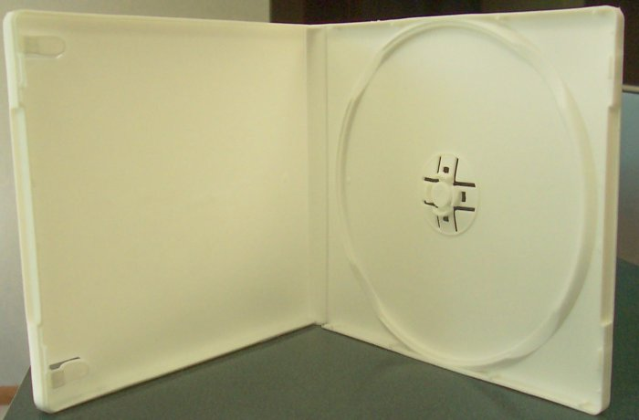 100 SINGLE CD POLY CASE W/SLEEVE, WHITE- PSC13