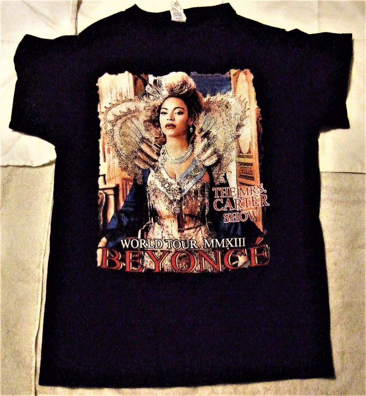 """Beyonce """"The Mrs Carter Show World Tour """" Women's T Shirt"""