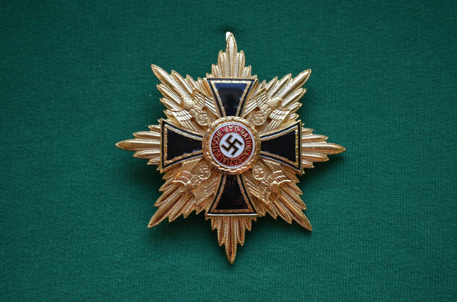 WWII STAR GERMAN ORDER