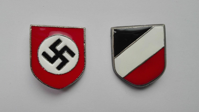 WWII GERMAN PITH HELMET INSIGNIA
