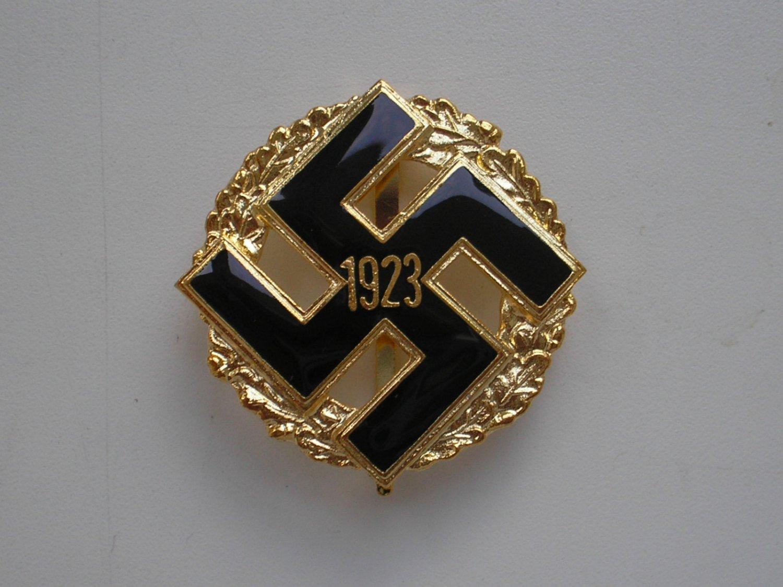 WWII THE GERMAN GOLD GENERAL GAU HONOR BADGE 1923