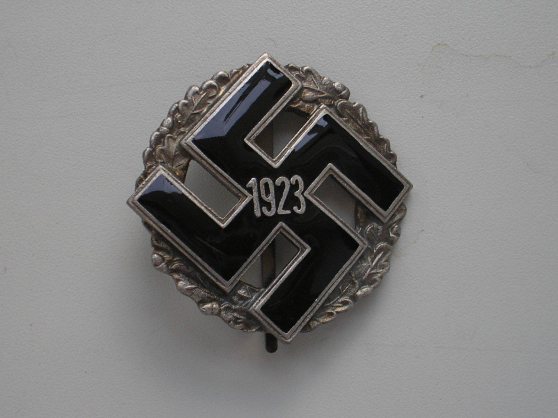 WWII THE GERMAN SILVER GENERAL GAU HONOR BADGE 1923