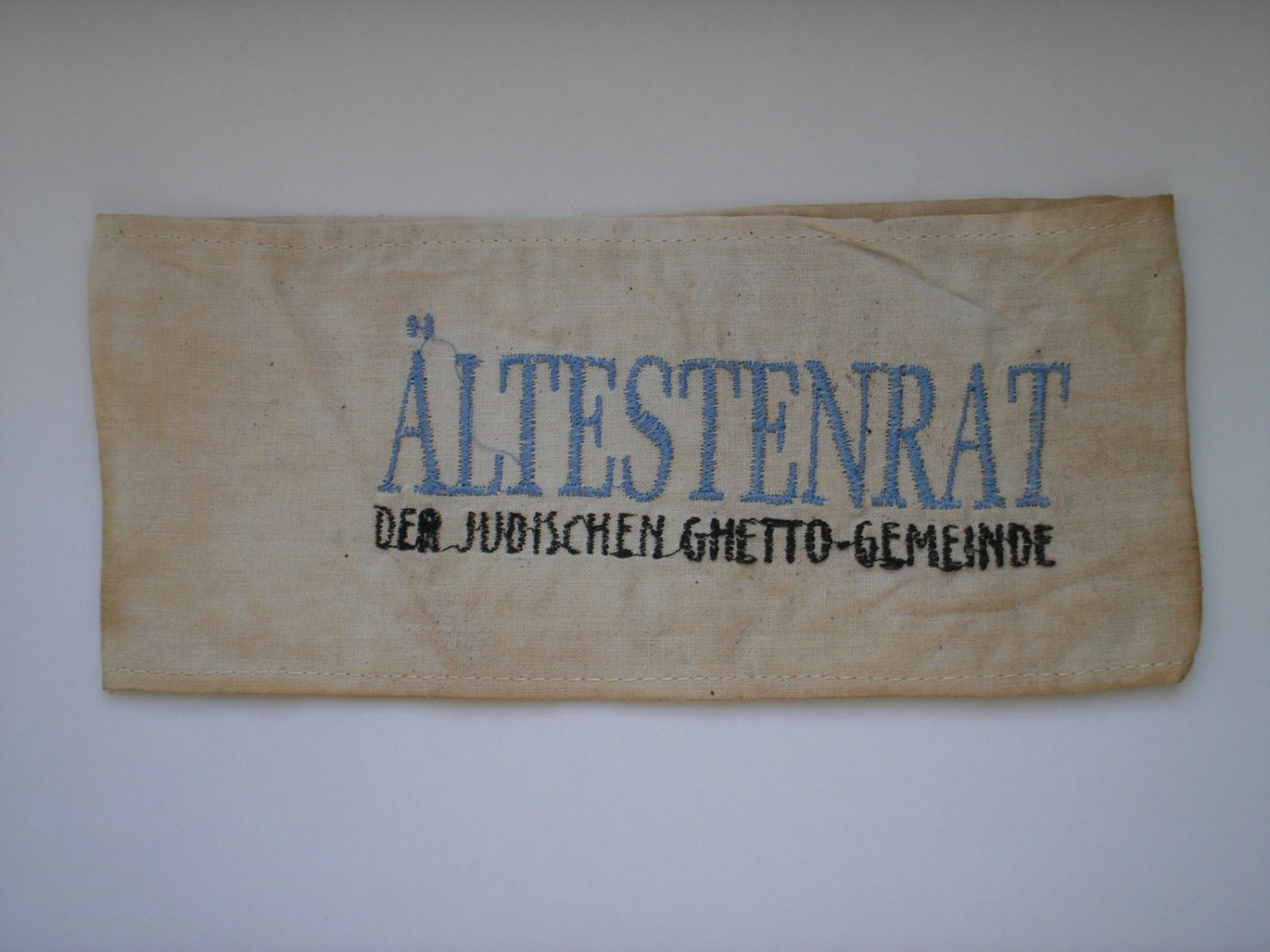 WWII THE GERMAN ARMBAND WITH THE JEWISH GHETTO ALTESTENRAT JUDENRAT