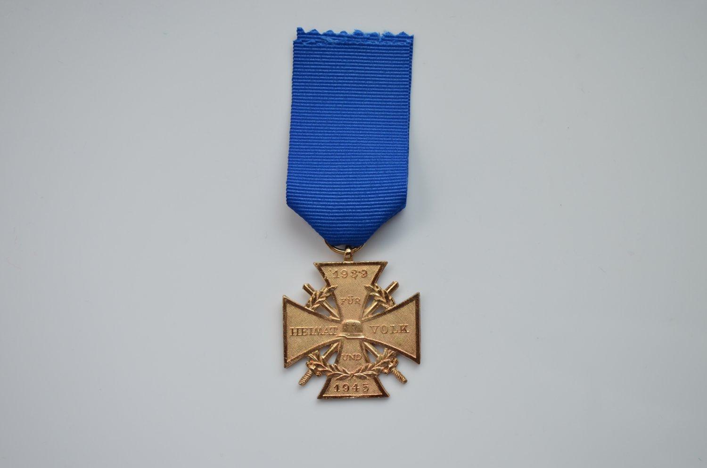 WWI GOLD FUR HEIMAT UND VOLK 1939 1945 CROSS