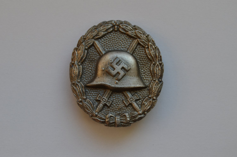 WWII THE GERMAN BADGE WOUND LEGION CONDOR