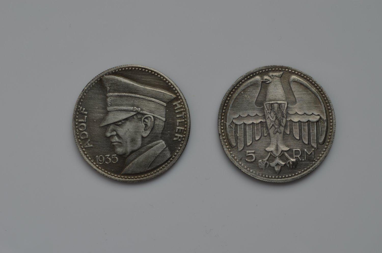 WWII GERMAN MEDAL TOKEN ADOLF HITLER 1935
