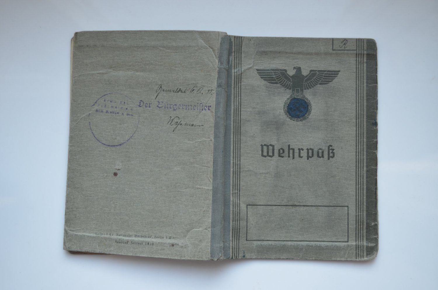 WWII WW2 ORIGINAL GERMAN DOCUMENT WEHRPASS