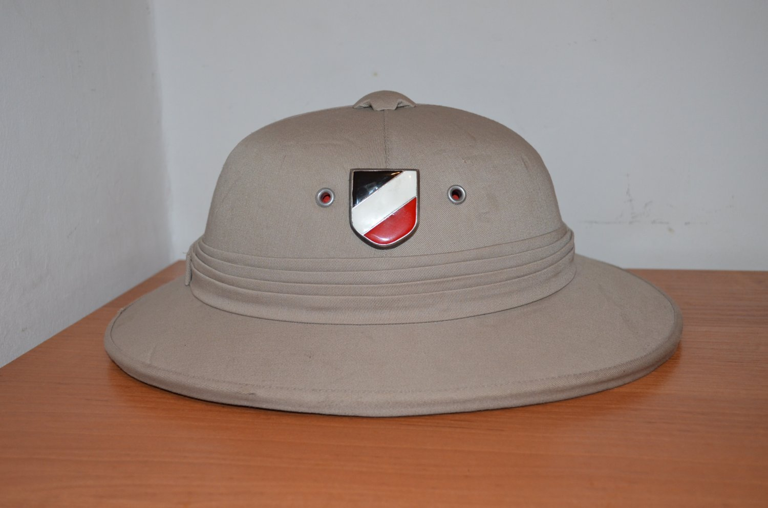WWII GERMAN TROPICAL HELMET WEHRMACHT