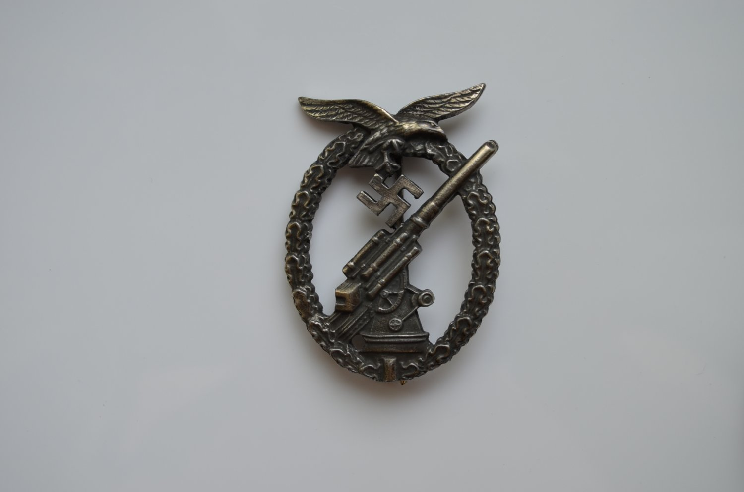 WWII THE GERMAN BADGE LUFTWAFFE FLAK
