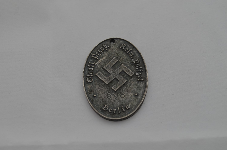 WWII GERMAN KRIMINALPOLIZEI BADGE. POLICE