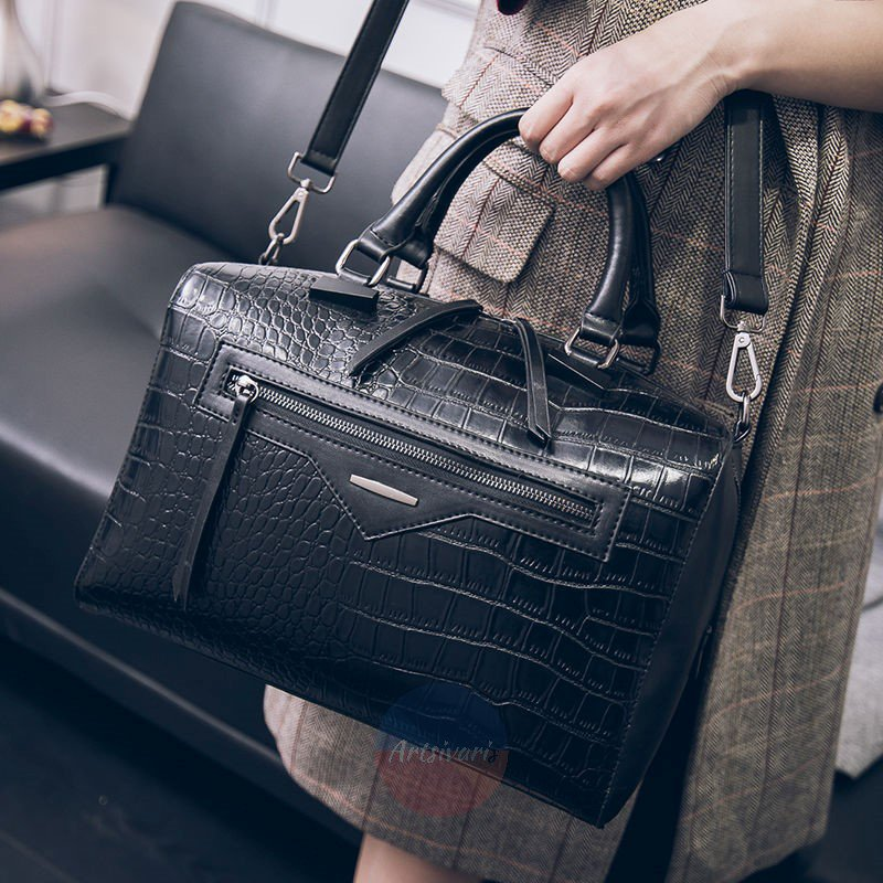Elegant Big Vacation Handbag Black Leather Messenger Women Bag Travel Purse Tote