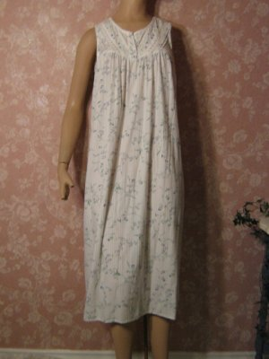 sold rl   Sweet vintage Cotton Nightgown S M Sleeveless  Blue floral print