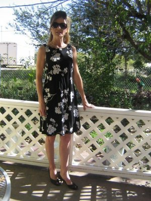 Unique Black floral draped back dress Dramatic Classic S Petite Sweepy