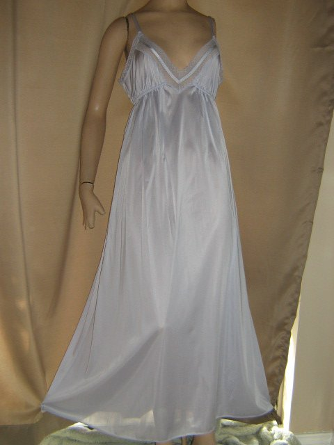 sold rl Miss Elaine vintage Nightgown Periwinkle Blue Long M L Full Sweep