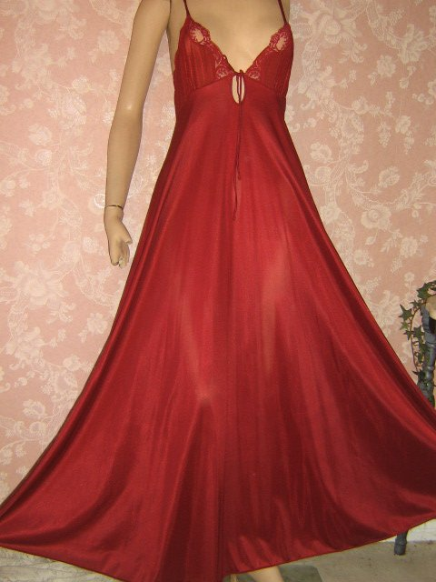 sold Fashion Place Wine Vintage Nightgown Silky Full sweep Keyhole M L