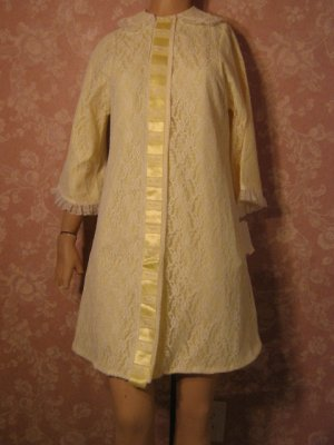 sold Philmaid Vintage All Lace Robe Yellow Satin Lining Lace Ribbons XS petite NWT