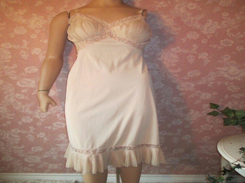 Vanity Fair Sheer Vintage Slip Full Dress Slip Crystal Pleat Lacy 32 Xs S